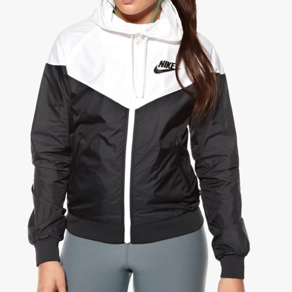 2c10abce8 Nike Windrunner Jacket Women's. M_5be06d5a2beb79d27dc42ddb